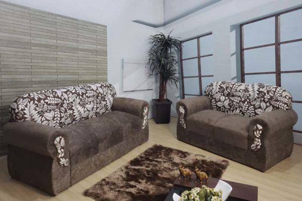 Sofá 2 e 3 Lugares - Modelo 005 - Marrom com Floral