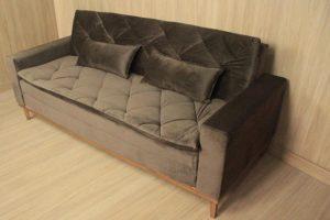 Sofá de 3 Lugares Marrom 2,10 m de Largura - Modelo 006